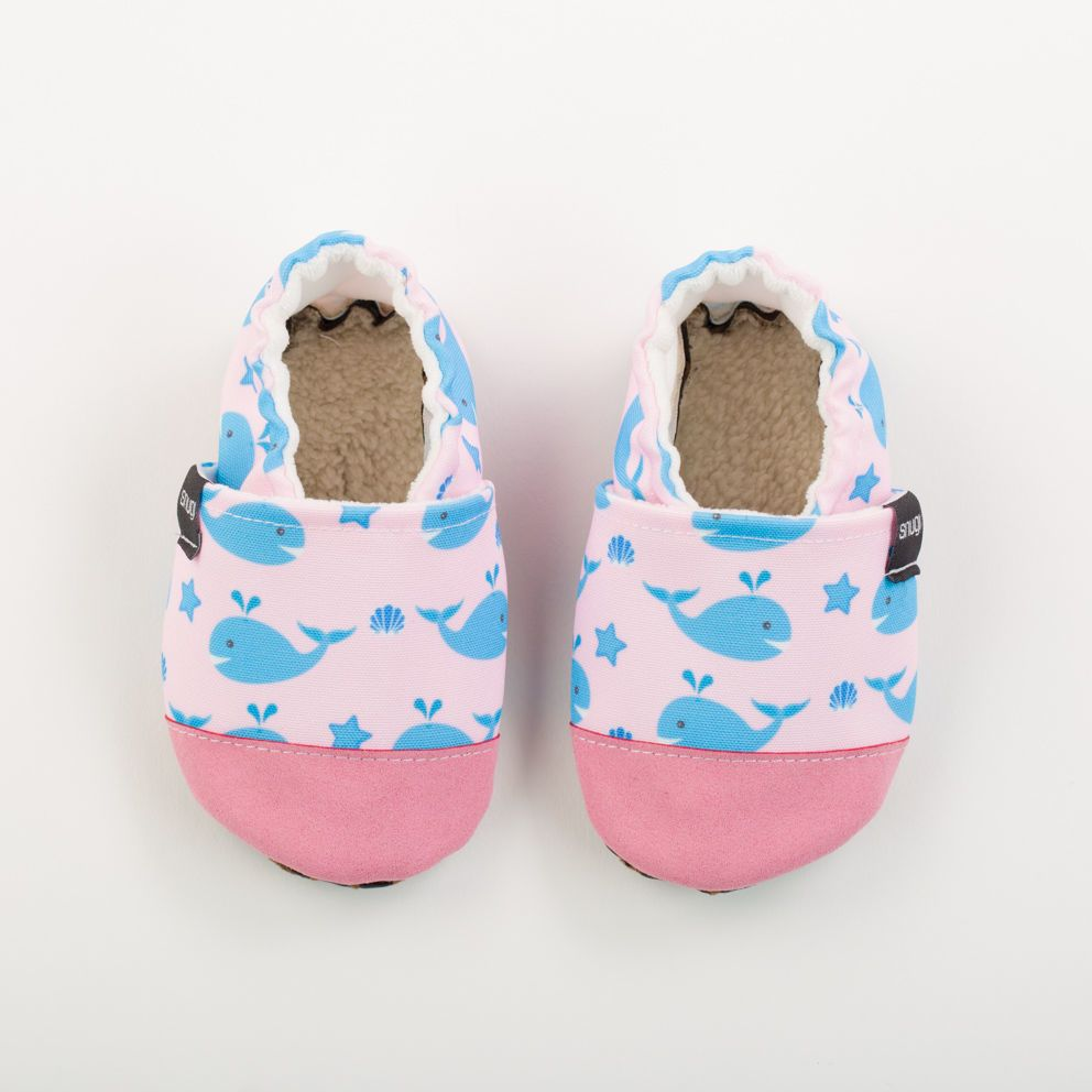 Picture of Slippers - pink whales