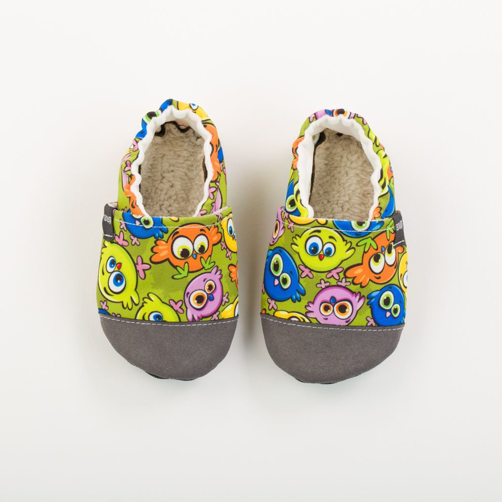 Picture of Slippers - colorful birds
