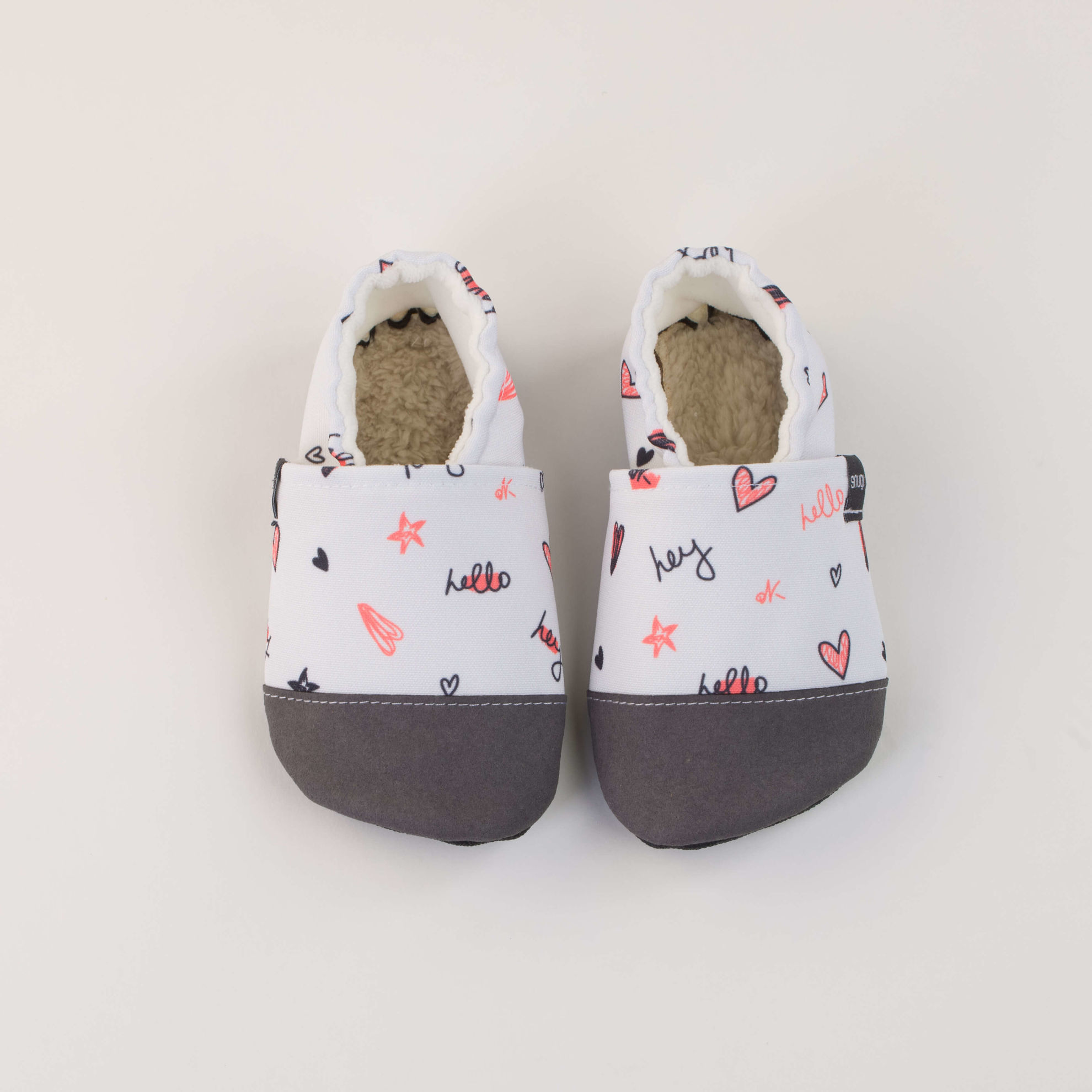 Picture of Slippers - light grey hello