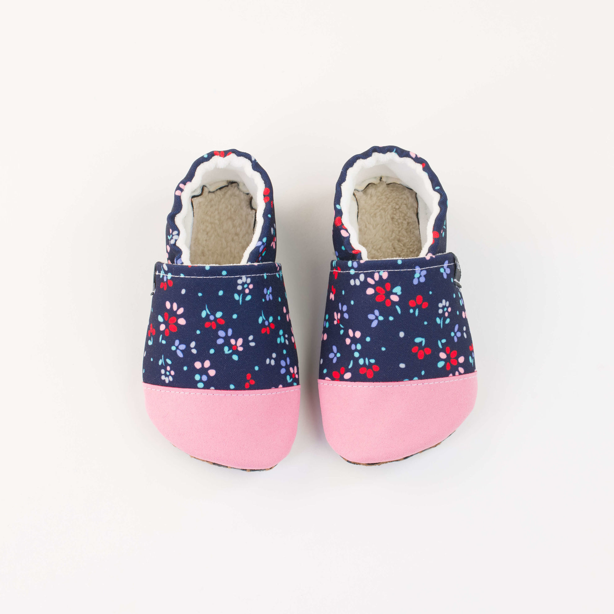 Picture of Slippers - little flowers